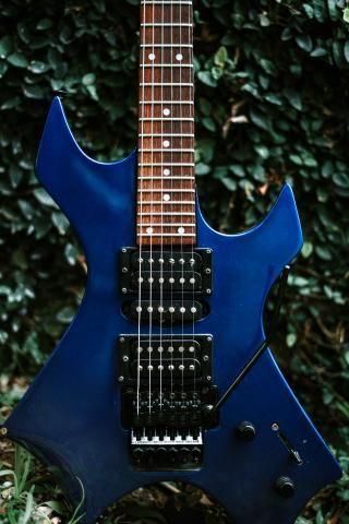 Guitarra Golden + Amplificador Crate