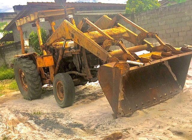 Retro escavadeira MF86
