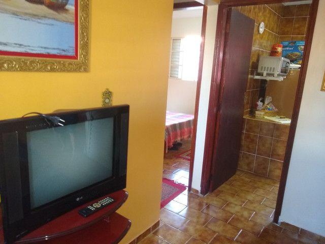 Chalé 2 dormitórios, churrasqueira, mobiliado - Foto 9