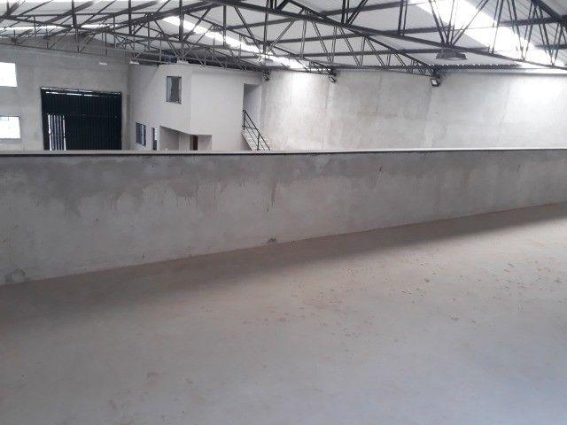 Alugo Particular Excelente Barracão com aprox 500 m² - Foto 12