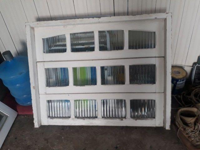 Janelas de madeiras com vidro - Foto 2