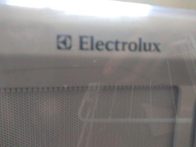 Microondas Electrolux Impecável - Foto 4