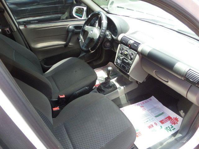 Corsa Sedan Classic LS 1.0 Flex 2012 Cor Branca, Trava, Alarme, Conservado - Foto 8