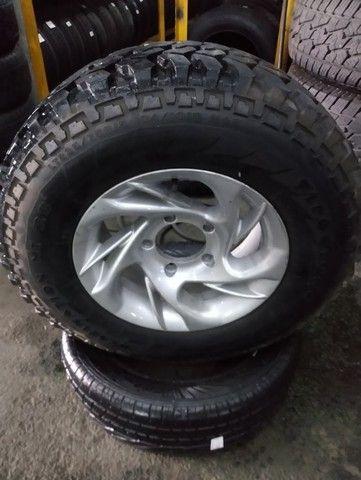 Jogo de rodas + pneus Firestone 235/75R15 para Rural. - Foto 2
