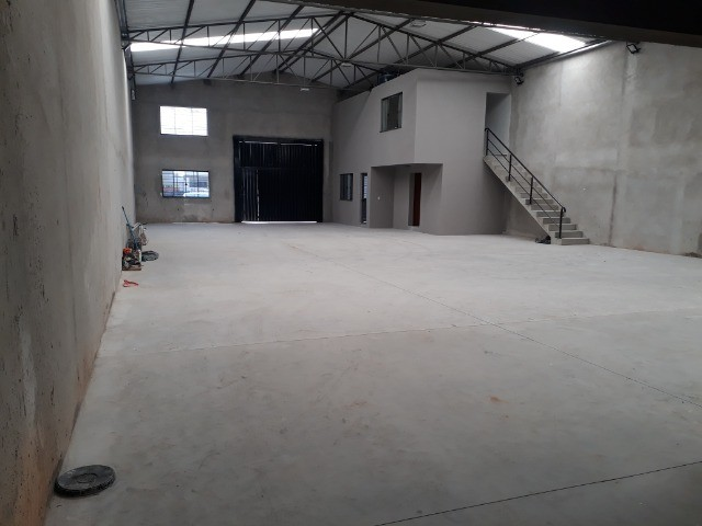 Alugo Particular Excelente Barracão com aprox 500 m² - Foto 5