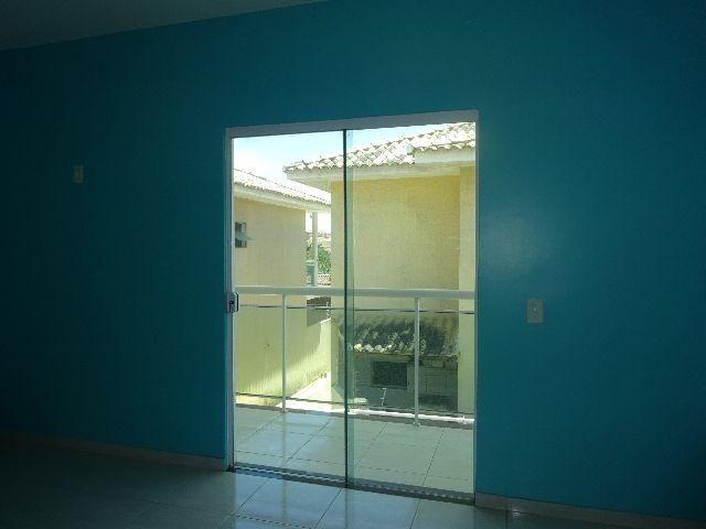 Imóvel em Rio das Ostras, 3 quartos (2 Suítes), 3 banheiros, cozinha, corredor lateral
