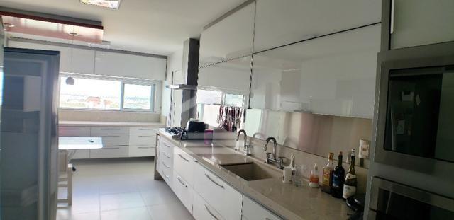 Apartamento na Ponta do Farol / 5 Suítes / 400m - Foto 3