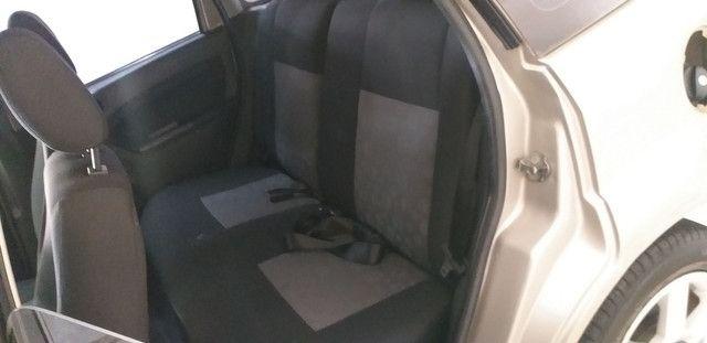 Fiesta 1.0 Hatch Ótima Conservação Completo - Foto 11