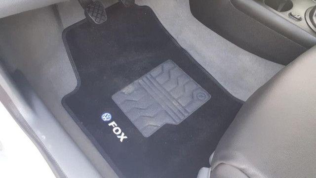 Fox 1.6 completo carro muito conservado troco e financio! - Foto 3