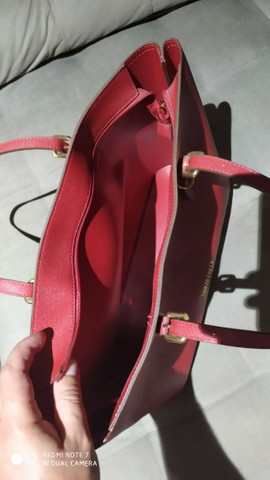 Linda Bolsa da Santa Lolla de couro vermelha - Foto 3