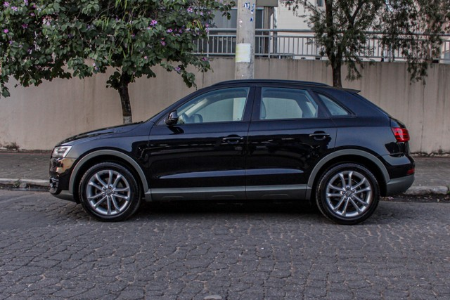 Audi Q3 2.0 TFSI Attraction S Tronic Quattro - Foto 3
