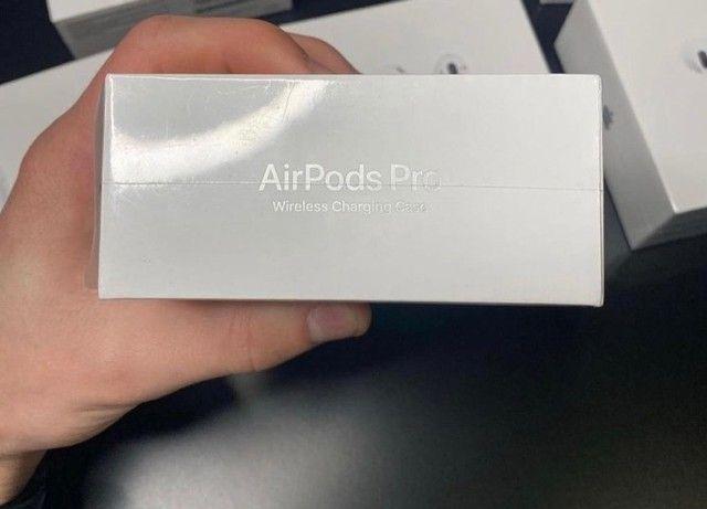 Fone Bluetooth Apple - AirPods Pro MWP22AM / A com Chip H1 - Branco - Foto 3