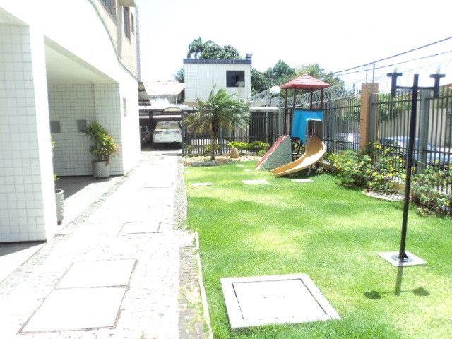 Vende-se Apartamento no Papicu Proximo Av. Eng. Santana Jr