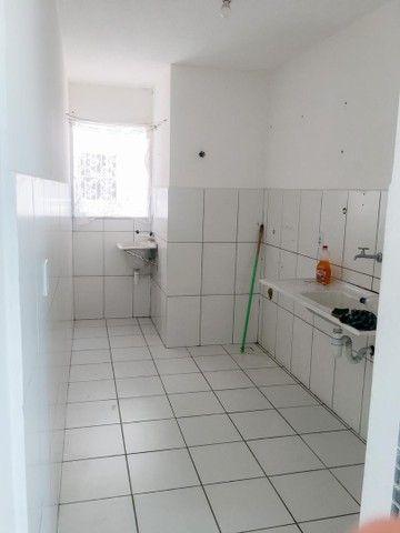 Alugo apartamento com 2 quartos - Foto 2