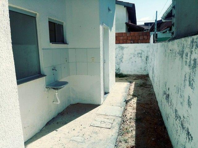 Ótima casa dois quartos em condomínio fechado - Foto 5