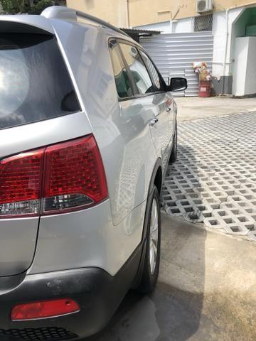Vendo Kia Sorento Modelo EX2 carro muito novo 2012 - Foto 14