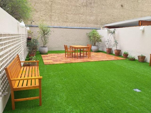 Grama Sintética Ideal Garden 20mm Bicolor de Jardim
