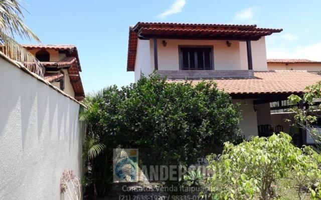 Casa duplex c/ 3 Qtos  2 suíte em ótima localização no Jd. Atlântico Itaipuaçu