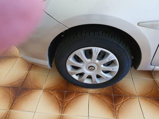 Renault Symbol Expression Hi-Flex, ano 2011, prata, 1.6, 8V, 4 portas. - Foto 4