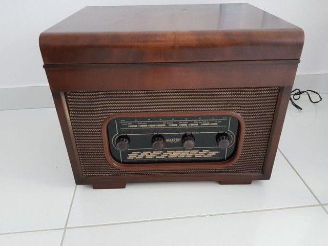 Radio vitrola valvulada anos 50. Belíssima!