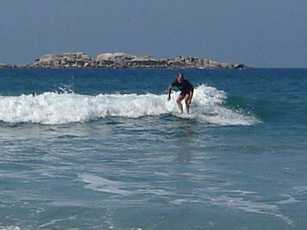 Aulas de surf, standup, natação, mergulho e sandboard - Foto 2