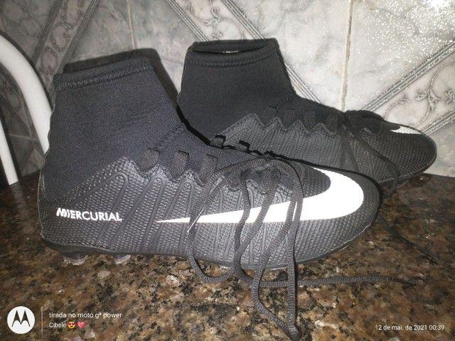 Chuteira da Nike de birro - Foto 2