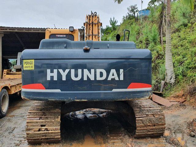 Escavadeira Hyundai 220 ano 2013  - Foto 4