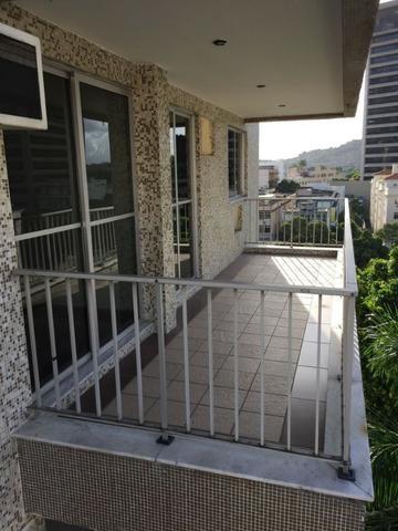 Tijuca : Rua Visconde de Cairu / Dois Quartos