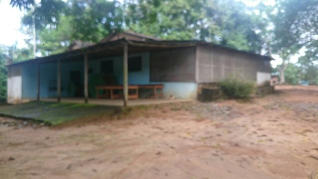 Vende-se Sítio - 20 hectares. PORTEIRA FECHADA.