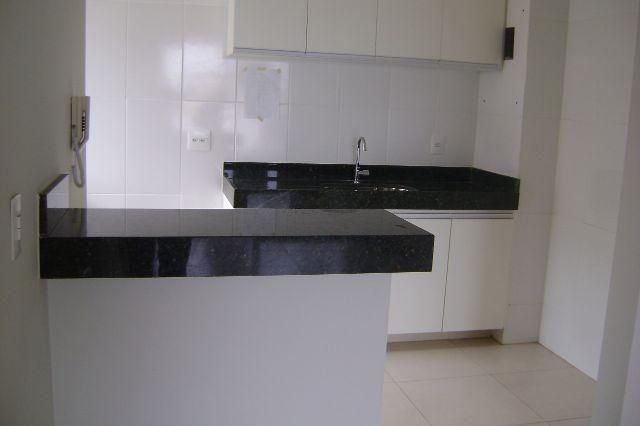 Excelente apartamento de 2 quartos, sendo uma suíte, localizado no bairro Santa Mônica