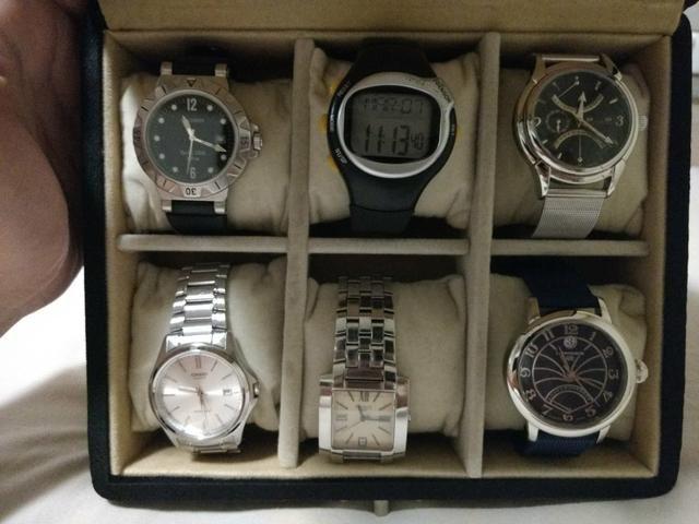 3ab2e29378c Caixa com 6 relógios! desfazendo coleção! tissot