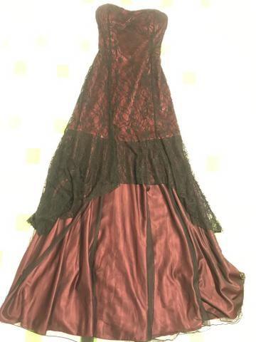 Vestido Longo De Festa Vinho Com Renda Preta E Tecido De Seda Por Dentro P
