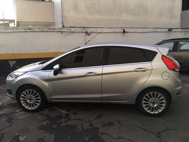 New Fiesta hatch Titanium automático com gnv 5 geração preço real - Foto 8