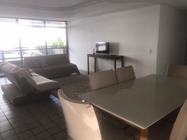 Apartamento com 3 quartos, sendo 1 suíte máster com varanda + DCE e área de lazer completa - Foto 11