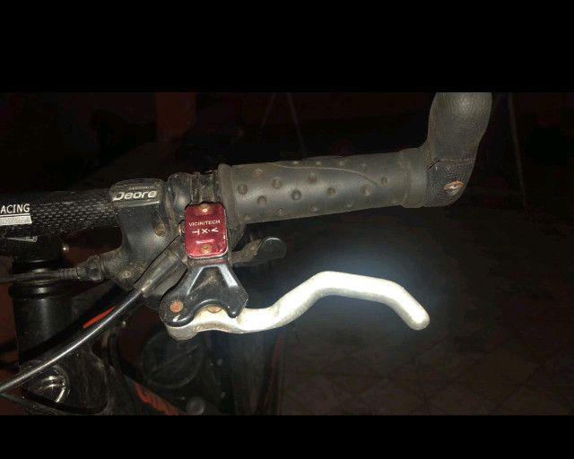 Bicicleta aro 26, quadro 19 Giant, câmbio deore xt - Foto 2