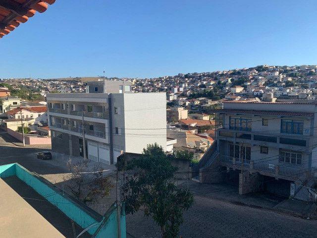 Vendo - Casa com três dormitórios com varandas em São Lourenço/MG - Foto 4