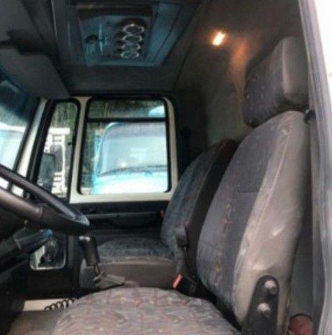 Caminhão cargo - Foto 3