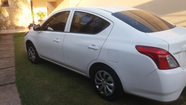 Nissan Versa 2018/2019 Branco