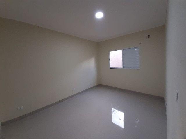 Linda casa. Próximo da UCDB. 1 suite e 2 quartos - Foto 9