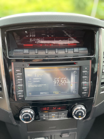 Mitsubishi Pajero HPE Full 3.2 4x4 7 Lugares  - Foto 6