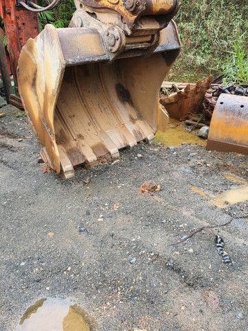 Escavadeira Hyundai 220 ano 2013  - Foto 3