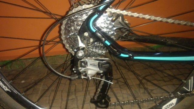 Bicicleta aro 29 semi nova - Foto 3