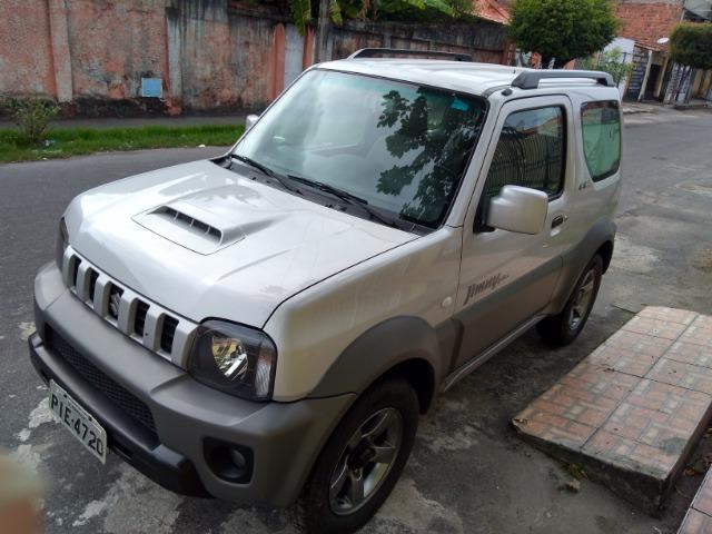 Suzuki Jimny For All semi-novo com 30 mil km