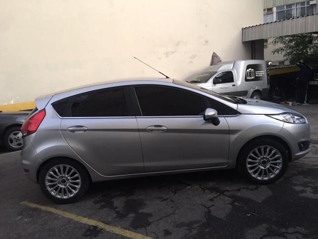 New Fiesta hatch Titanium automático com gnv 5 geração preço real - Foto 9
