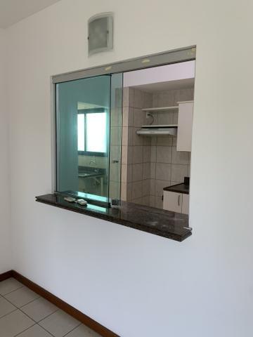 Vende-se Excelente Apartamento Semi-mobiliado no Eldorado Park - Foto 8