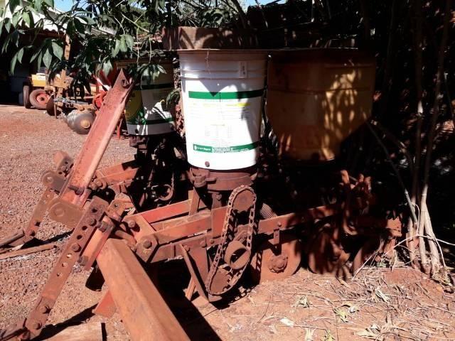 Plantadeira de milho - Foto 3