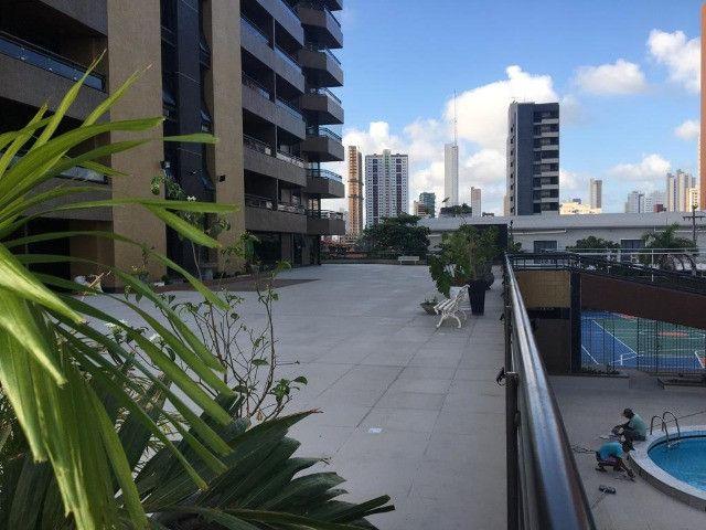 Apartamento com 3 quartos, sendo 1 suíte máster com varanda + DCE e área de lazer completa - Foto 2