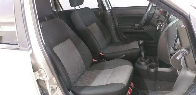 Fiesta 1.0 Hatch Ótima Conservação Completo - Foto 10