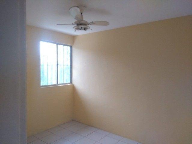 alugo apartamento taxas inclusas - Foto 2