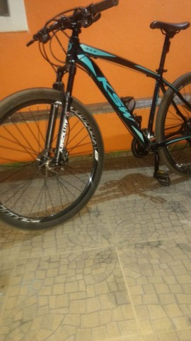 Bicicleta aro 29 semi nova - Foto 4